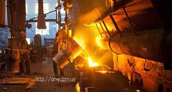 """Разливка на конвейере АО """"ХТЗ"""". Фото: http://on-v.com.ua"""