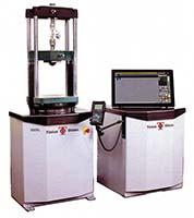 Рис. 2: Гидравлическая испытательная машина серии 'Super L' компании Tinius Olsen