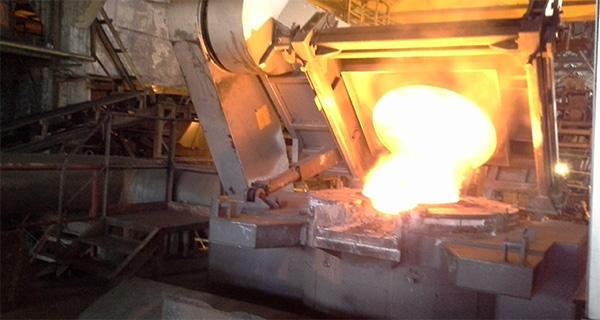 Действующая 3-х т индукционная печь Inductotherm на заводе «М-ЛИТ» в