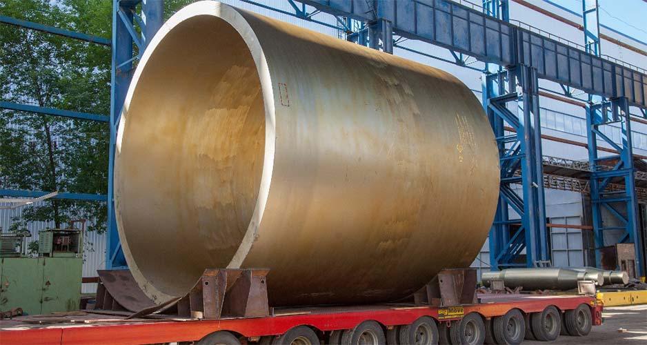 Обработанная обечайка корпуса реактора
